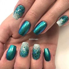 Bold Cerulean Nail Art ❤️ Short coffin nails design ideas will suit those of you who like to look daring but without taking it over the edge. These particular ideas will surely suit all tastes! Holiday Nails, Christmas Nails, Arabesque, Red Nails, Hair And Nails, Luxury Nails, Glitter Nail Art, Artificial Nails, Perfect Nails