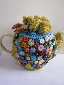 The buttons on this Tea Cozy are a cute idea!