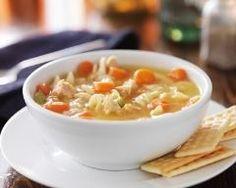 Soupe de nouilles aux carottes et poulet (facile, rapide) - Une recette CuisineAZ