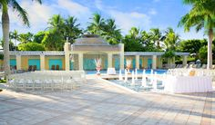 Waterfall Pool Deck Ceremony | Hyatt Regency Coconut Point | Photo provided by Michelle Reed