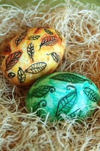 An easy way to create unique and colorful Easter eggs is using watercolors. Keep in mind this is not a permanent color option like dye but i. Easter Arts And Crafts, Coloring Easter Eggs, Easter Colors, Food Crafts, Watercolor, Create, Karma, Colour, Unique