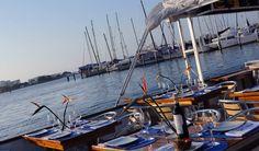 Te esperamos en nuestro aquabus, una experiencia gastronómica mientras navegas!