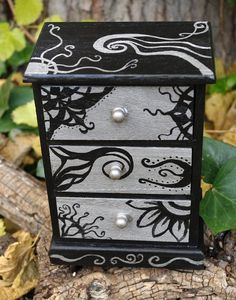 Hand painted wooden jewelry box with drawers. Black by Villaoscura