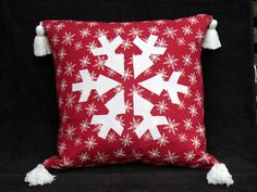 https://flic.kr/p/aHYFX2   Pillow in red and white - Snow