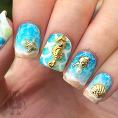 Ocean nail art is the trend this season. Let your nails shine in the most beautiful colors of the ocean this summer, let be wonderful blueness with you every day. Ocean Nail Art, Christmas Manicure, Dry Nails, Polygel Nails, Pink Nails, Beach Nails, Nail Decorations, Cute Nail Designs, Beautiful Nail Art