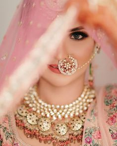 Indian Bride Photography Poses, Indian Bride Poses, Indian Wedding Poses, Indian Bridal Photos, Bridal Photography, Indian Wedding Pictures, Pakistani Wedding Photography, Girl Photography, Photography Ideas