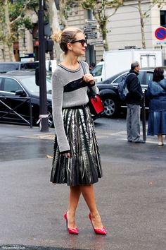 Loose knit waisted pleated a line skirt