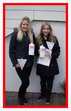 Sara og Sofie samlede 2300 kr. ind i Gylling by. #landsindsamling #visflaget