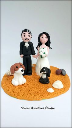 Beach Wedding Cake Topper with dogs, personalized cake topper, rustic wedding, unique cake topper, bride and groom, custom wedding topper