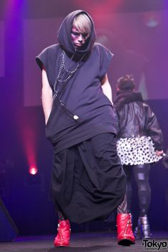 Harajuku Kawaii Winter 2011-2012 – 5iVE Star Student Fashion Show Pictures    http://tokyofashion.com/harajuku-kawaii-winter-5ive-star-fashion-show-pictures/