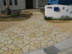 住宅玄関アプローチでのスタンプコンクリート実例です。