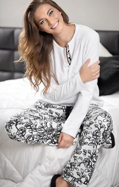 Elegância de Jackie O. inspira coleção de pijamas da Mixte
