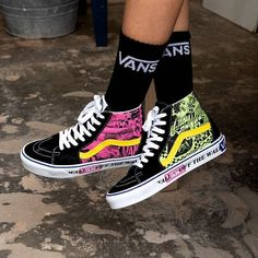 Sep 2019 - Inspired by heritage prints from the women's product line of the and the Hi sneaker features a bright color pop to catch any eye 👀 Shop online & at select WSS stores… Vans Shoes Fashion, Fashion Boots, Skull Fashion, Punk Fashion, Lolita Fashion, Tenis Vans, Vans Sk8, Sneakers Mode, Superga Sneakers
