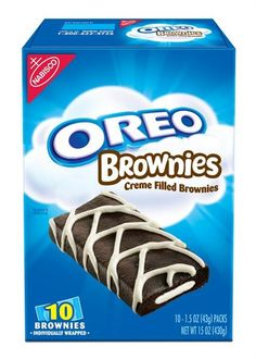 Oreos are good. And on this, National Oreo Day, I'll be you didn't realize Weird Oreo Flavors, Cookie Flavors, Oreo Fudge, Oreo Brownies, Oreo Cake, Nabisco Oreo, Junk Food Snacks, Food Food, Weird Food