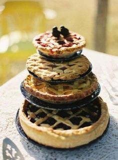 Wedding Pie | 27 Ideas For Adorable And Unexpected Wedding Cakes