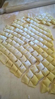 Recipe Boards, Tortellini, Gnocchi, Biscotti, Italian Recipes, Carne, Food And Drink, Cooking Recipes, Favorite Recipes