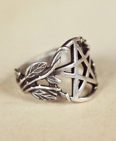 Brides Handfastings Rings Weddings:  Silver Pentagram Ring.