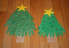 Vánoční strom z rukou