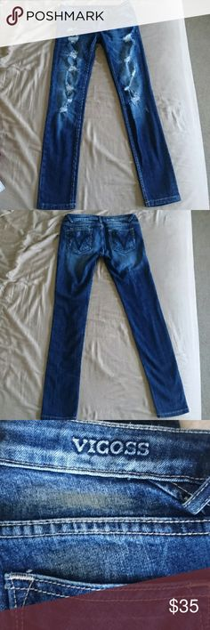 Vigoss skinny jeans 98% cotton, 2% spandex Excellent quality Heavy weight Skinny leg Low-rise Size 3, but runs large. More like a 5. Vigoss Jeans Skinny