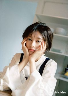 Jung So Min 정소민 y Lee Joon 이준 – Sesión de fotos para la revista Marie Claire Korea – Jung So Min House Jung So Min, Young Actresses, Korean Actresses, Lee Joon, Marie Claire, Dramas, Asian Short Hair, Selfie Poses, Selfie Ideas
