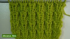Punto (puntada) CAMINITOS. Tejido con dos agujas para los principiantes # 256 - YouTube Knitting Videos, Knitting Charts, Crochet Videos, Knitting Stitches, Baby Knitting, Crochet Hooded Scarf, Knit Crochet, Knit World, Crochet Baby Booties