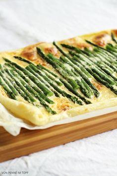Blätterteig-Tarte mit grünem Spargel