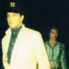 ♡♥Elvis Presley 28 is with his girlfriend Priscilla Beaulieu 18 in Memphis,TN in 1963 just after she arrived there for the first time♥♡