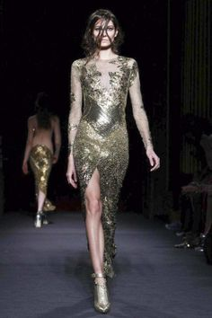 Julien MacDonald, Look 26. xoxo, k2obykarenko.com #London #FashionWeek #Fall2013