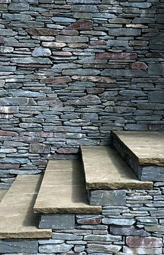 Dry Stone Walling Association Master Craftsman Certificate - Features (Part A ) - Andrew Loudon Dry Stone Waller Rock Retaining Wall, Gabion Wall, Compound Wall Design, Stone Wall Design, Outdoor Metal Wall Art, Brick In The Wall, Stone Masonry, Dry Stone, Stairs Architecture