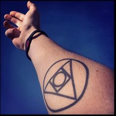 This is an exact tattoo I'd been thinking of getting!