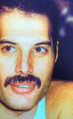 Freddie Mercury Love of my life! Mary Austin Freddie Mercury, Queen Freddie Mercury, Queen Love, Save The Queen, John Deacon, Heavy Metal, Freedie Mercury, Mr Fahrenheit, King Of Queens