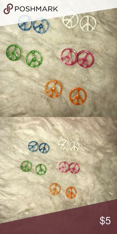 earrings peace sign earrings in white, pink, orange, green and blue. good condition and great for a 80's party! Jewelry Earrings