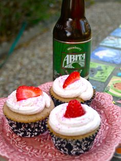 Abita Strawberry Harvest Lager cupcakes!  Will be trying my hand at these this weekend!
