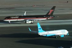 Trump's campaign plane passes Clinton's campaign plane on October 18 as the two meet to face off for the final debate in Las Vegas, Nevada.