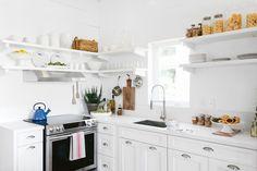 Кухонная кухня с открытыми стеллажами, L-образная, индукционная варочная панель, поддон для раковины, флеш, кварцевая столешница
