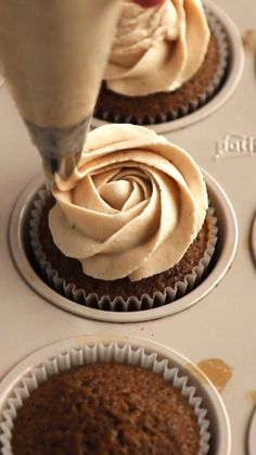 Super soft and moist Coffee Cupcakes topped with ultra creamy Coffee Mascarpone Frosting. Easy to make and a dream for coffee lovers. Coffee Cupcakes by Also The Crumbs Please coffee cupcakes mascarpone frosting baking sweet dessert 748090188081280412 No Bake Desserts, Delicious Desserts, Dessert Recipes, Yummy Food, Healthy Desserts, Easy Desserts, Cuban Desserts, Baking Desserts, Summer Desserts