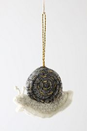 crochet snail ~ Hmmm...Would be cute to use a stone for shell, then crochet the body! Have to try this in my crochet garden scene.