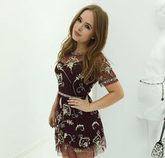 Tanya Burr in a gorgeous dress Couture Fashion, Fashion Beauty, Classy Street Style, Tanya Burr, Marcus Butler, Joe Sugg, Smart Outfit, Zoella, Evening Outfits