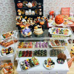 Miniature Crafts, Miniature Food, Miniature Dolls, Miniature Tutorials, Miniature Gardens, Haunted Dollhouse, Dollhouse Miniatures, American Girl Food, Muñeca Diy