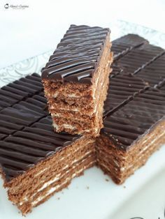 Romanian Desserts, Romanian Food, Artisan Food, Pastry Cake, Something Sweet, Ice Cream Recipes, Mini Cakes, Chocolate Recipes, Cake Cookies