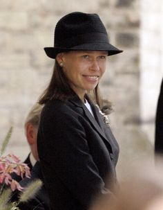 Lady Sarah Chatto attends a memorial service for Camilla, Duchess of Cornwall's father Bruce Shand in Lady Sarah Armstrong Jones, Lady Sarah Chatto, Kate And Harry, Queen Victoria Prince Albert, Jones Family, Prince Philip, Prince William, Royal Princess, British Monarchy