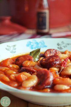 Φασολάδα με Λουκάνικο - Funky Cook Chana Masala, Pork, Ethnic Recipes, Sweet, Foods, Life, Kale Stir Fry, Candy, Food Food
