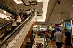 Lojas dão desconto de até 70% em saldões de Ano Novo http://folha.com/no1570248