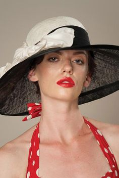 The Best Sunhats for Women - photo Louise Green - CLICK to READ - http://boomerinas.com/2012/06/the-best-sun-hats-for-women/
