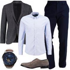 Pantaloni eleganti a sigaretta, camicia di cotone, giacca skinny fit in fantasia a scacchi, stringate in pelle Andrea Ventura con effetto scamosciato e orologio Fossil. Look perfetto per l'uomo che ama essere sempre elegante.