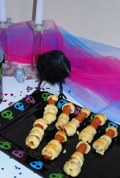 Monster High Party - Mummy Dogs
