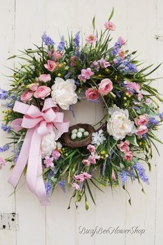Beautiful Spring Front Door Wreath, Spring Flower Garden Wreath, Country Cottage Spring Wreath, Southern Wreath for Spring, Farmhouse Style from Busy Bee Flower Shop #southerncharms #springdecor #countrycottage #busybeeflowershop Spring Front Door Wreaths, Spring Wreaths, Wreath Crafts, Diy Wreath, Wreath Ideas, Corona Floral, Umbrella Wreath, Bee Flower, Easter Wreaths