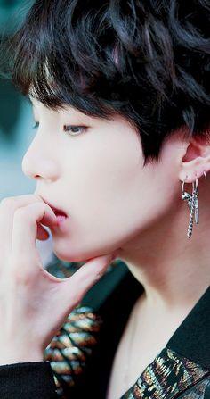 taehyung or yoongi, tell meh Jimin, Min Yoongi Bts, Min Suga, Bts Bangtan Boy, Bts Boys, Jhope, Foto Bts, Bts Photo, Yoonmin