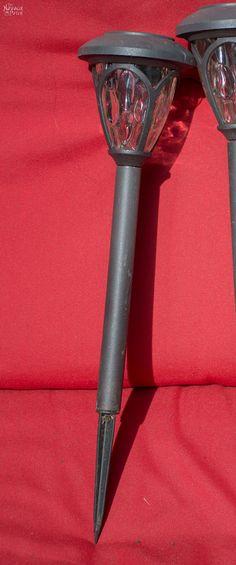 DIY Cedar Cube Solar Landschaftsbeleuchtung – The Navage Patch – Conscious Consumption Diy Solar, Solar Light Crafts, Solar Lights, Backyard Lighting, Outdoor Lighting, Lighting Ideas, Outdoor Chandelier, Diy Luz, Old Washing Machine