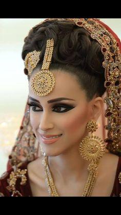 Naeem Khan make up : real bride/@@@@@.....http://www.pinterest.com/abir1999/indian-brides/